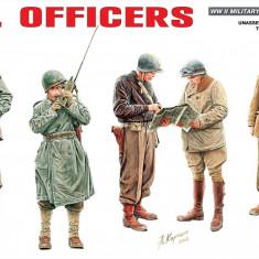 1:35 U.S.Officers - 5 figures 1:35