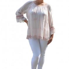 Bluza Anastasia rafinata cu insertii fine de dantela ,nuanta de pudra