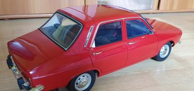 Machetă Dacia 1300 scara 1:8 De Agostini foto