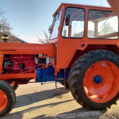 Tractor U650 M înmatriculat rutier.