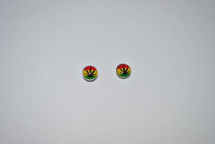 Cercei magnetici marijuana punk rock gotic fashion 8mm