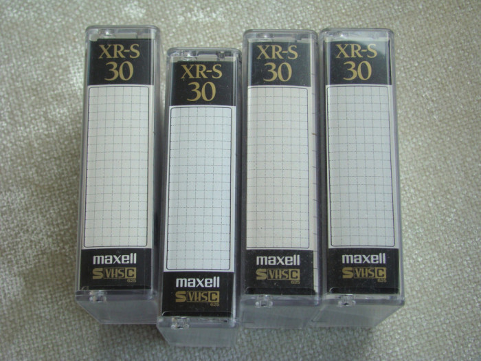 Lot 4 Casete Video MAXELL Black S VHS-C - Aproape NOI (1)