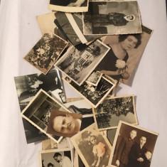 Lot 38 fotografii vechi de familie, anii 20-70