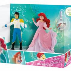 Figurine - Set Ariel si Eric cu medalion