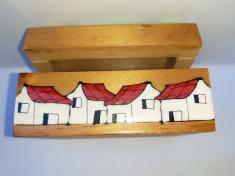 Caseta lemn pictata manual foto