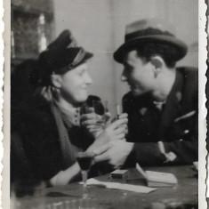 Fotografie ofiter roman aviatie 1944 poza veche romaneasca