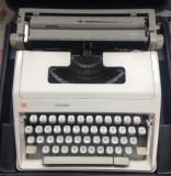 Masina de scris Junior
