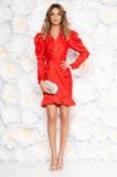 Cumpara ieftin Rochie Ana Radu rosie de lux cu un croi mulat din material satinat cu decolteu in v cu volanase la baza rochiei