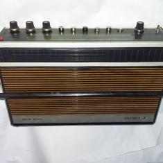 GLORIA 3,anii 1970,radio portabil,Aparat radio vechi,de colectie,T.GRATUIT