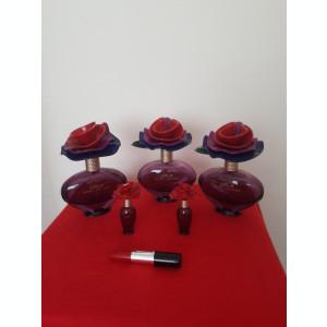 5 Sticle de parfum LOLA de Marc Jacobs si un pix de poseta.