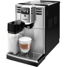Espressor automat Philips EP5365/10, Seria 5000, Carafă pentru lapte integrată, 5 băuturi, 5 setari intensitate, 5 trepte macinare, flitru Aqua Clean,