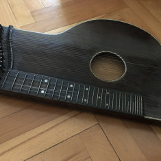 Tzitora veche ,instrument muzical cu corzi austriac