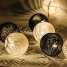 Ghirlanda luminoasa decorativa cu sfere alb/negre 10 LED-uri HQ