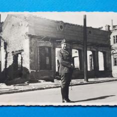 POZA VECHE Ofiter × sub anii'30 format mic