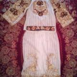 Costum popular de dama zona Caras-Severin