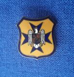 Insigna interbelica Straja tarii - 1939 - Cercetasi - Strajerie - Carol II