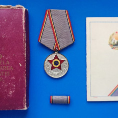 "MEDALIA  ""10 ANI DE LA INFIINTAREA ARMATEI R.P.R."" + CUTIE + BREVET"