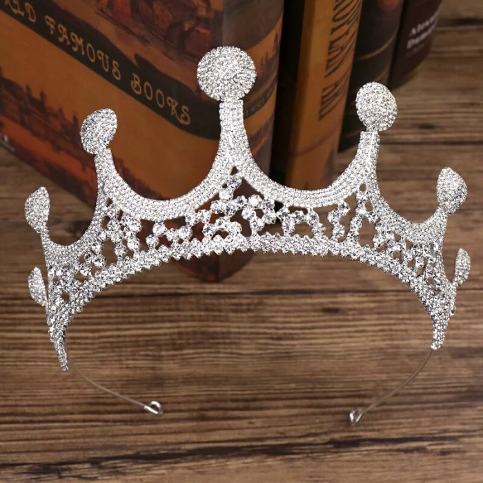 Diadema/tiara/coronita argintie inalta