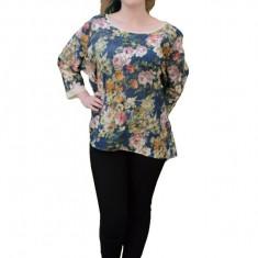 Bluza cu maneca trei-sferturi, design asimetric si imprimeu floral