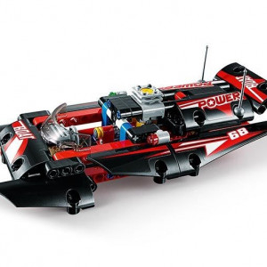 Barca cu motor (42089)