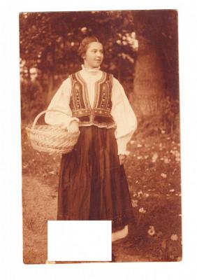 CP Femeie cu costum popular, necirculata foto