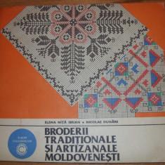 BRODERII  TRADITIONALE  SI  ARTIZANALE  MOLDOVENESTI   ( album foarte rar ) *