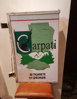 Reclama luminoasa veche ,vintage, tigari Carpati foto