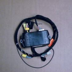 Car Kit Bluetooth original pentru Renault Twingo 2 2007-2014, kit original Hands Free 7711421184 Kft Auto