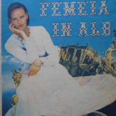 FEMEIA IN ALB - W. COLLINS
