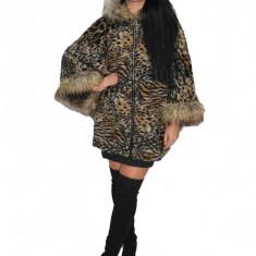 Jacheta tip poncho cu captuseala subtire, model tigrat