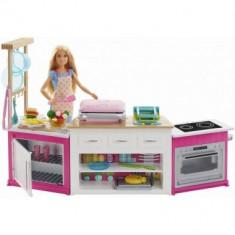Papusa Barbie cu set bucatarie completa