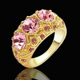 Superb inel placat cu aur de  9K . Marimea 8.5