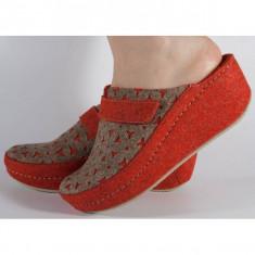 Papuci de casa MUBB rosu cu bej din lana cu platforma (cod 6620)