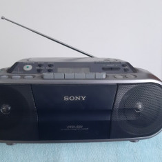 SONY CFD -S01 CD PLAYER /RADIO/CASETOFON .