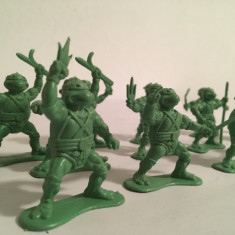 Lot 18 figurine Testoasele Ninja anii 80, vechi, plastic, 6 cm