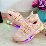 Cumpara ieftin Adidasi roz cu lumini LED si urechi cu scai pt fetite 21 22 cod 0765, Fete