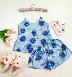 Cumpara ieftin Pijama dama ieftina primavara-vara albastru deschis din satin lucios cu imprimeu Rose