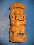7458-Statuieta Elefant in baldachin lemn sculptat manual.
