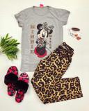 Cumpara ieftin Pijama dama din bumbac ieftina cu tricou gri si pantaloni maro cu imprimeu MM Animal Print