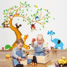 Sticker perete copii Copac cu elefant stropitor
