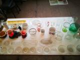Sticlarie veche. Pahare, sticle,vaze vechi. Obiecte,vesela din sticla.