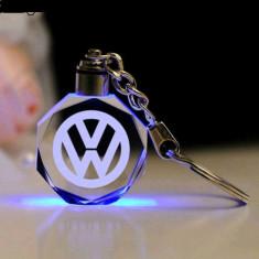 Breloc Led masina auto gravat cristal Volkswagen