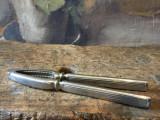 Vintage / Design / Bucatarie - Spargator pentru nuci sau alune model interesant