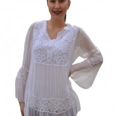 Bluza Amalia cu insertii de broderie si decolteu in V,nuanta de alb