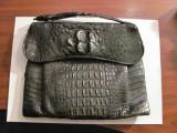 CY - Poseta veche / posibil interbelica / piele de crocodil cu laba de crocodil