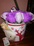 Trandafiri de sapun - Aranjament cu glob si ingerasi - OKAZIE