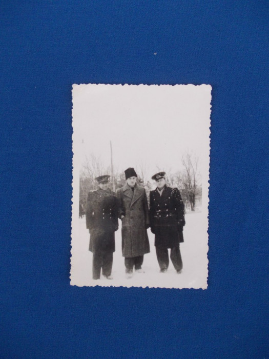 FOTOGRAFIE MILITARI , AMINTIRE DIN IARNA ANULUI 1935