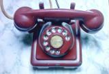 rar de colectie vechi telefon bachelita  cu disc din anii 50 este rosu