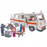 Cumpara ieftin Masina Simba Masha and the Bear Ambulance cu accesorii