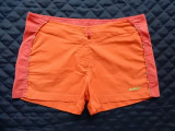 Pantaloni scurti Adidas. Marime M (36), vezi dimensiuni; impecabili, ca noi, Din imagine
